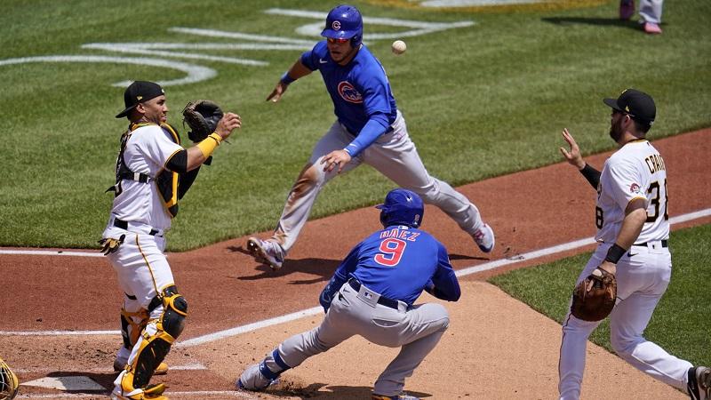 打者走者が本塁・一塁間に挟まれる 奇妙な珍プレー発生